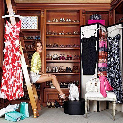 Eva Longoria Parker  Eva'nın kıyafet odası her mevsim yenileniyor. Böylelikle giymeyeceği eşyalar fazla yer kaplamıyor.